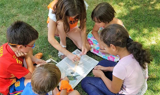 Entretenidos en campamento urbano en inglés en Rivas English Learning Academy
