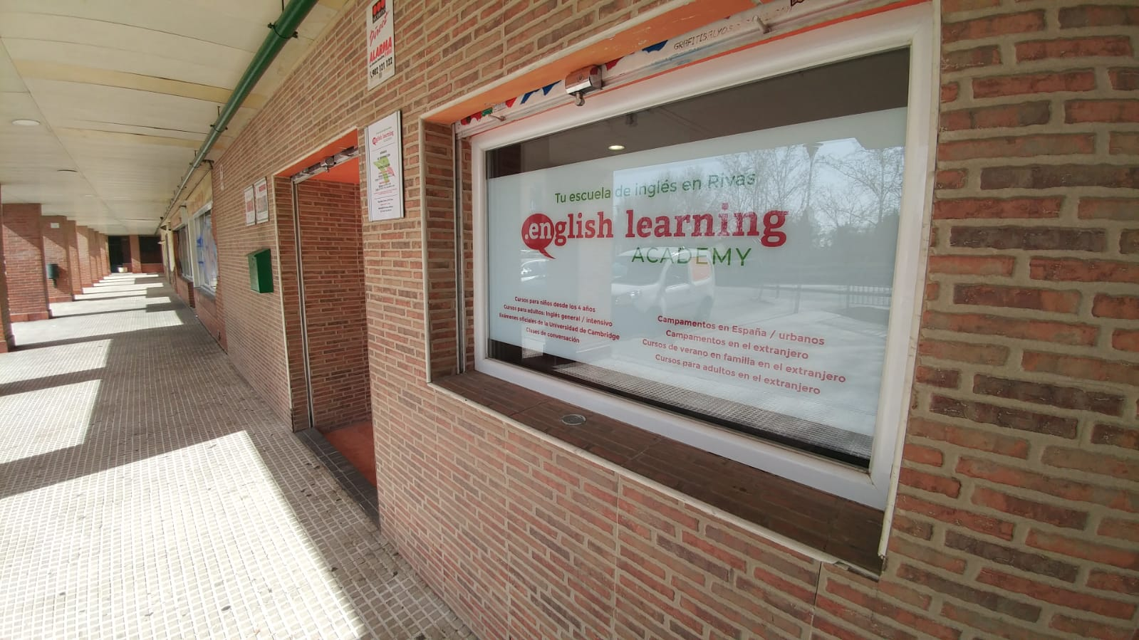 Exterior academia de ingles rivas English Learning Academy